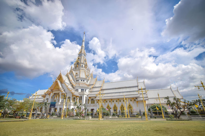 temple in Thailand.Beautiful temple in Thailand.wat wat sothon wararam worawihan Buddha Buddha Temple Buddha Temple, Thailand Thailand Travel Architecture Buddha Statue Building Exterior Built Structure Cloud - Sky Day Grass Main Hall No People Outdoors Place Of Worship Religion Religion Architecture Religions Royal Sky Spirituality Travel Destinations Tree First Eyeem Photo