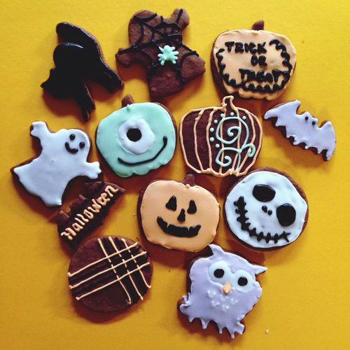 Pantone Colors By GIZMON Halloween Icing Cookies
