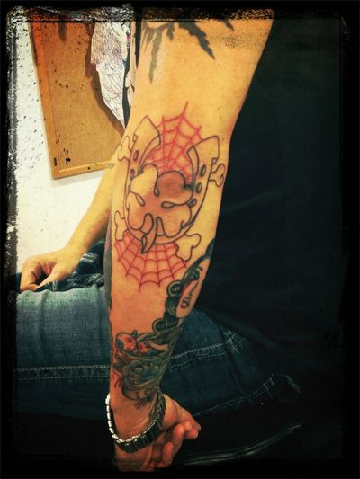 Elbow . Not colored yet