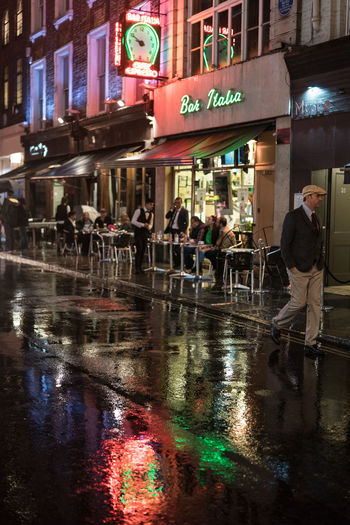 Rain Soho Architecture Bar Italia Soho London Inside Rocky Frenchman Benoir Coffee Italians Italy City Frith Street Photography Photograpger Photography Documentary Reportage Taking Photos Fotos Foto Photo Street Photography Building Exterior Built Structure City Illuminated Night Outdoors