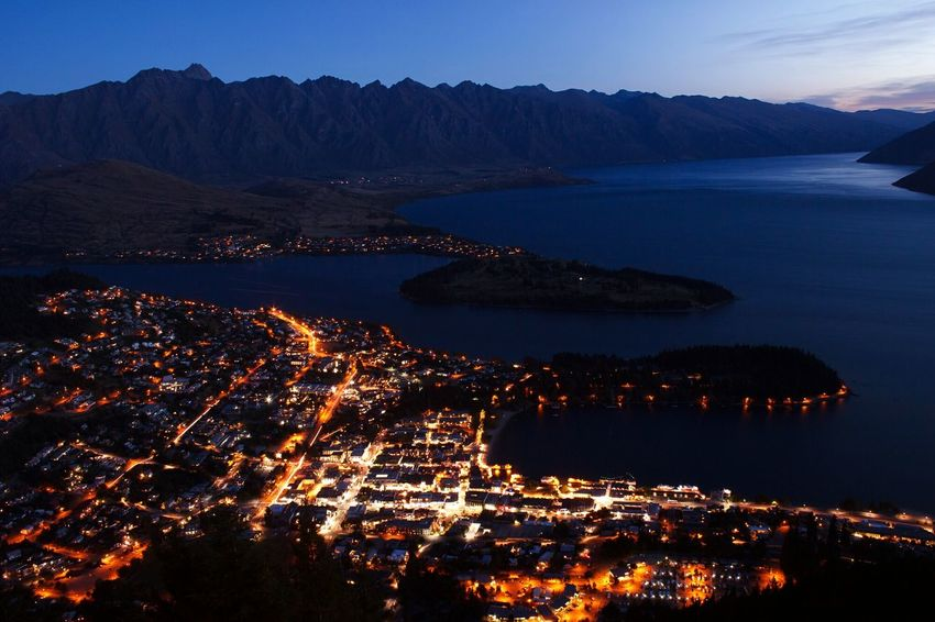 The Town For A Queen Hello World Enjoying Life Travel Photography New Zealand Nightphotography Discover Your City Traveling Night Lights Night