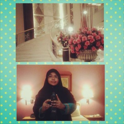 Selfie And I shall say good night...*Dah penat raya dari Perak ke Kuala lalala Lumpur *sorry for posting too much pixo... ^_^ tabiat yg xdpt dibendung...May Allah bless us OhMyRaya