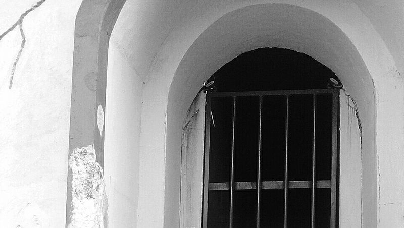 Arquitectura House Black&white Blanco Y Negro Puerta Door Old Buildings Photography Luz Y Sombra  No People