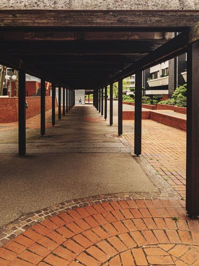 urban footpath germany Pedestrian Urban Architecture The Way Forward Direction Built Structure Architectural Column No People Day Diminishing Perspective Footpath In A Row Outdoors vanishing point Empty Pattern Ceiling Connection
