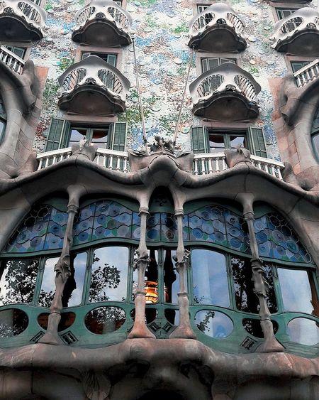 Casabatllo Casabatlo Casabattlo Gaudi Gaudì Architecture Work Gaudi Barcelona Gaudi Museum Gaudi In Barcelona, España🇪🇸 Spain🇪🇸 Catalunyafotos City Barcelona Barcellona 🇪🇸🇪🇸 Barna Spagna Spain Catalunya Catalonia Spagna Spain ♥ Catalunyaexperiencie Catalunia Architecture Window Built Structure
