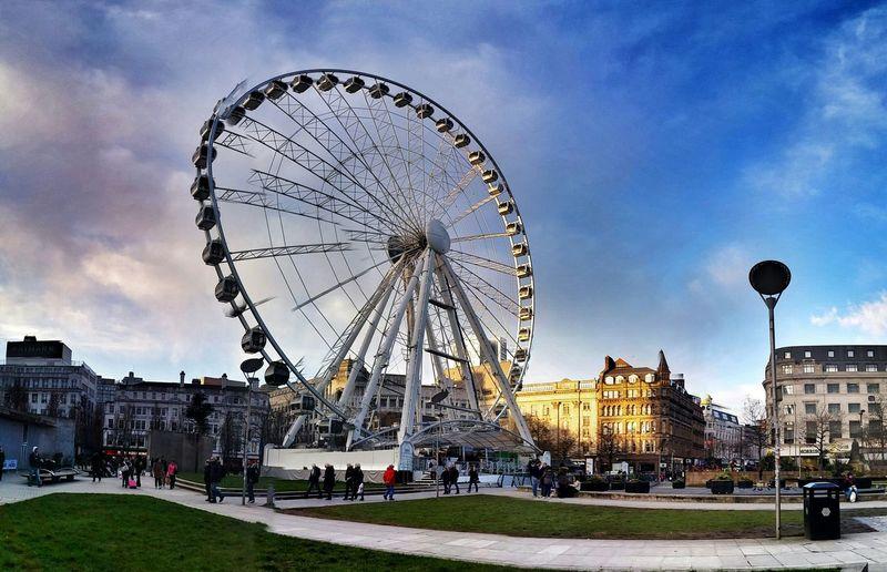 Ferris wheel on city square