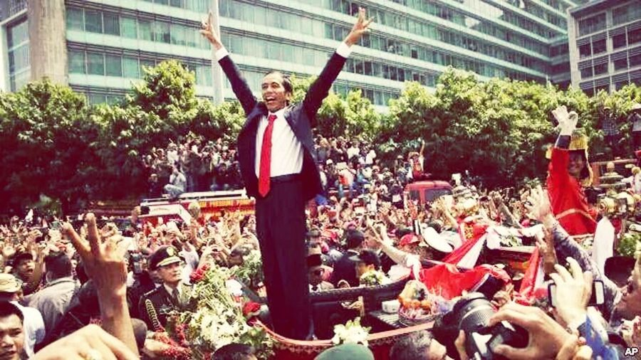 Presidenjokowi Pawairakyat Indonesiabaru On The Streets