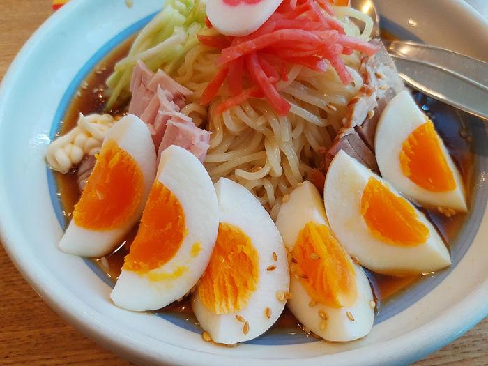 ramen and egg