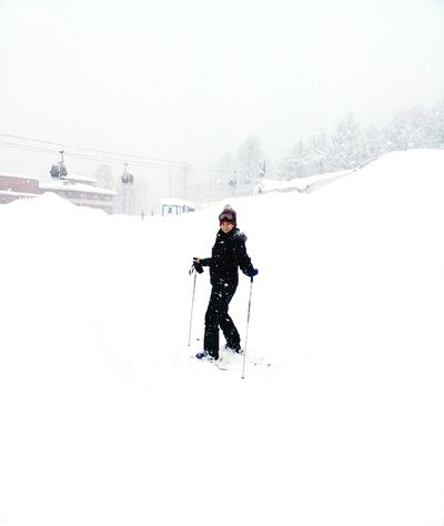 Snow Winter Cold Temperature Full Length One Man Only Copy Space One Person Day Healthy Lifestyle Sport Winter Sport People Ski Holiday Frozen Skiing Weather Nature Beauty In Nature Warm Clothing Mountain Lifestyles Real People Adventure Outdoors Leisure Activity Vacations
