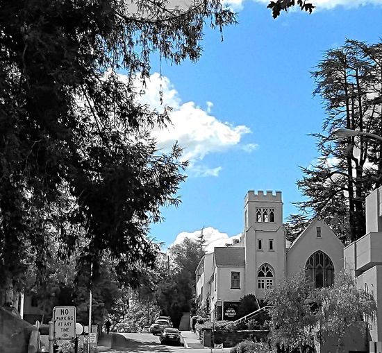 """""""With a touch of blue"""" 🏙 in Sonora, California Church Check This Out Taking Photos EyeEm Best Shots The Way I See It EyeEm Nature Lover Eye4photography  EyeEm Gallery Blackandwhite Monochrome B&w EyeEm Best Edits Streetphotography Car Tree Architecture Built Structure Building Exterior Business Finance And Industry Outdoors Cloud - Sky Sky Day No People City"""