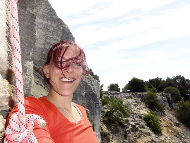 Casual Clothing Climb Climbing A Mountain Front View I Made It  Lifestyles Nature On The Top Outdoors Person Smiling Toothy Smile Wind In The Hair Women Young Adult
