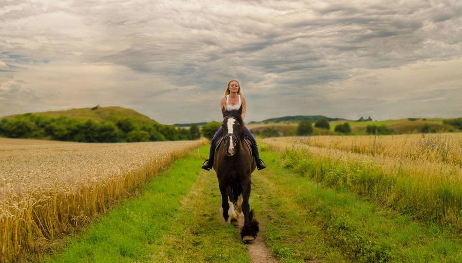 A god day with horse Anouk Salt Rook Shire Horses Shire Shire Horse Landscape One Person Grass Cloud - Sky Environment Scenics - Nature Outdoors Horses Horse Photography