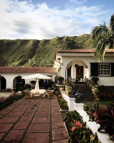 Finca Travel Vacation Holiday Bananaplantation Farmhouse Finca Teneriffa Tenerife Island Built Structure Architecture Plant Sky Cloud - Sky Building Exterior Tree Nature Building Day No People Outdoors Arch Sunlight Garden House Growth Park Formal Garden Hedge