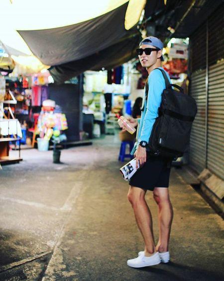 고마워요, 형. 1. Photographed by @be.picture 태국 방콕 짜뚜짝시장 짜뚜짝주말시장 태국시장 태국가볼만한곳 방콕가볼만한곳 태국여행 방콕여행 방콕시장 여행 시장 인물 전신 DSLR 내일투어 태국관광청 타이항공 Thai Thailand Jjaddujjak 빈카메라