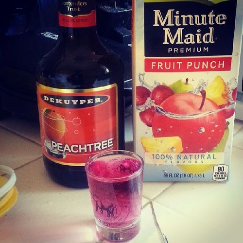 Mixed a new shot, and this one us for the ladies that like em sweet! Peachschnapps Fruitpunch Mixoligist Shots