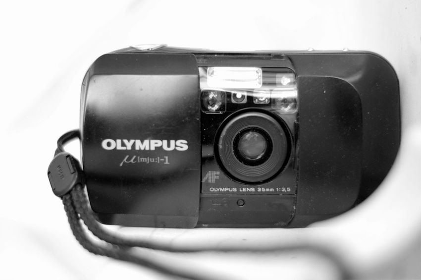 my first camera - I was such a happy child :-) Analog Camera Analogue Analogue Photography Camera Nature Photography Olympus Olympus Mju Analog Analoglove Beauty In Nature Black Black And White Blackandwhite Camera Camera - Photographic Equipment Close-up First Camera Lens Lens - Eye Lens - Optical Instrument Photographic Equipment Photography Photography Themes Still Life Technology Visual Creativity EyeEmNewHere