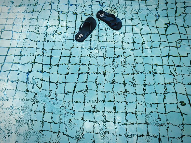 • Size Small Flip-Flop just Floating Along • Turquoise By Motorola The Moment - 2015 EyeEm Awards Pool Thongs Flipflop Crystal Clear Kids Shaping The Future. Together. Endlessness EyeEm Best Shots