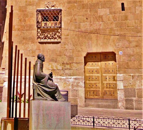 Architecture SPAIN Salamanca Spain♥ Tourist Attraction  Travel Photography Architecture España No People Oficina De Tourismo Sculpture Statue Tourist Destination Tourist Office Travel Destination Travel Destinations