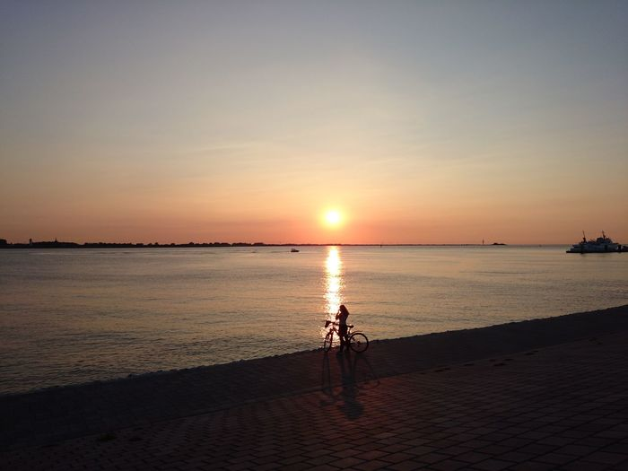 Beach Bicycle Horizon Over Water Scenics Sea Sunset