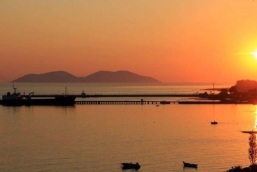 Portivlores Porto Valona Tramonto Sunset Perendim Albania Shqiperia Lore Sazan Ishullisazanit Mareionio Detijon Sea Landscapecaptures Landscape