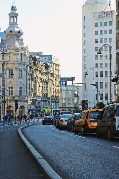 Friday Morning in Bucharest // Architecture & City Life