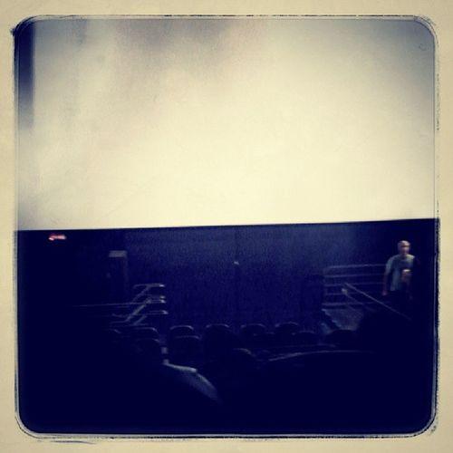 Cinema com a gatinha @giselepirescn e amigos Cinema Descanso Wolverine VidaFraterna Diadoconsagrado