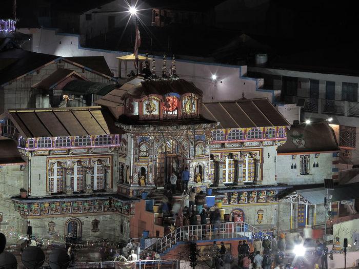 Night Illuminated Architecture People India Scenics Badrinath Temple Badrinath Uttarakhand Uttarakhandtourism Uttarakhand India India