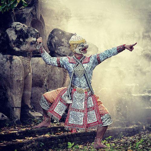 Hanuman invades the city Khon Dress Culture Art Outdoors Thailand Monkey Asin Pantomime Human Arm Arms Raised Dancing Hand Raised Traditional Dancing