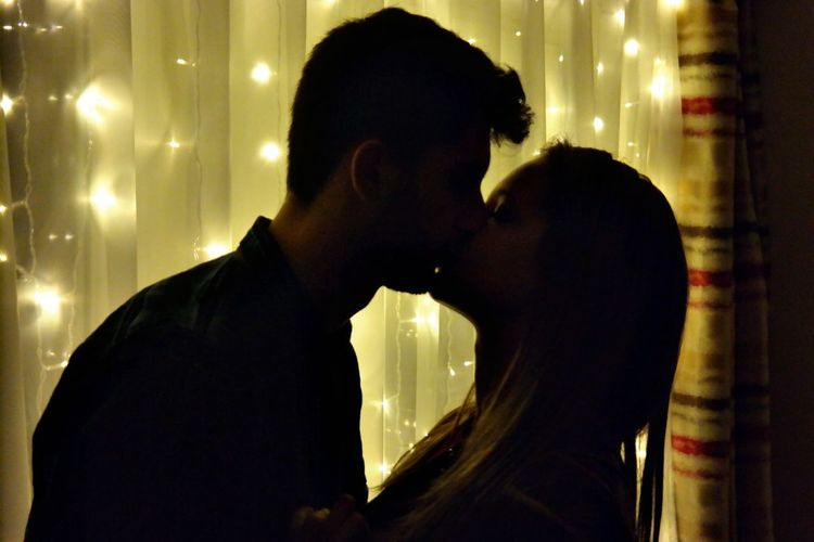 #Girlfriend  #love #couple #warm Colors #warmlights #boyfriend #lights #shadows And Light #silhouette #Gold #led Lighting #kiss NX300 Adults Only Adult People Night Young Adult