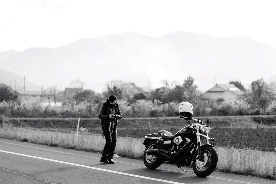 無事にバイクが修理から3ヶ月で帰ってきた Motorcycle Outdoors Road Blackandwhite BW Collection Black And White EyeEm Gallery Bw_collection Planar50/1.4 Harleydavidson