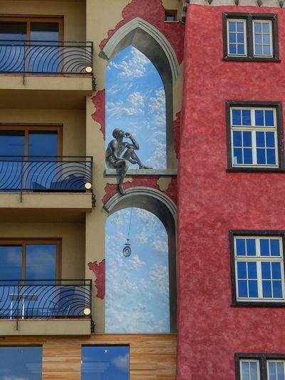 Hausfront in Koblenz am Deutschen Eck Deutsches Eck Koblenz Peter Altmeier Ufer Koblenz Häuserfassade Malerei Architecture Built Structure Building Exterior Window Building No People Day