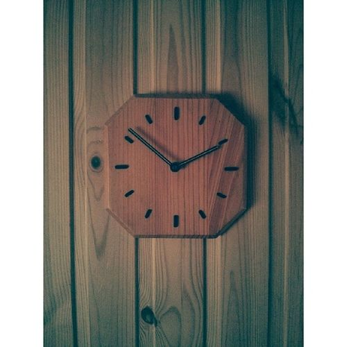 часы дерево фото Wood Clock Photo Photos Pic Pics Picture Pictures Snapshot Art Beautiful Instagood Picoftheday Photooftheday Color All_shots Exposure Composition Focus Capture Moment Instasize minimalism minimal минимализм