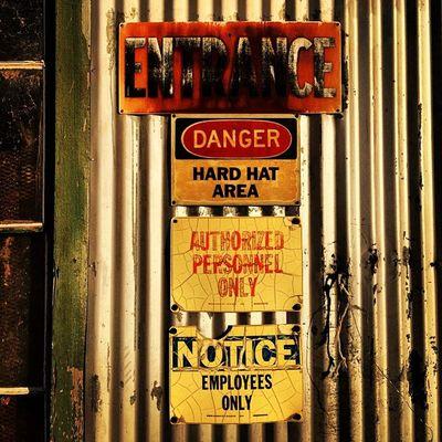 Old Vintage Abandoned Shack Creepy Vacant Classic Haunted Ruins Broken Scary Ruin Closed Dilapidated Louisiana South Condemned Damaged Sketchy Urbanexploring Trailblazers_rurex Deepsouth OutcastAmerica Rr_givemeasign Oldsouth Onlylouisiana Louisianatravel Abandonedlouisiana Brusly