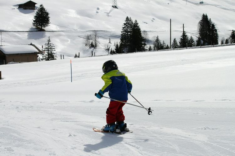 Schweiz Schweiz 🇨🇭, Switzerland Skiing Skifahren Schnee Snow Adelboden Racer Child Child On Ski Wintertime One Person Winter Abfahrt HJB Snow Skiing ❄ Ski Wonderful Travel Nature Speed EyeEmNewHere Lifestyle