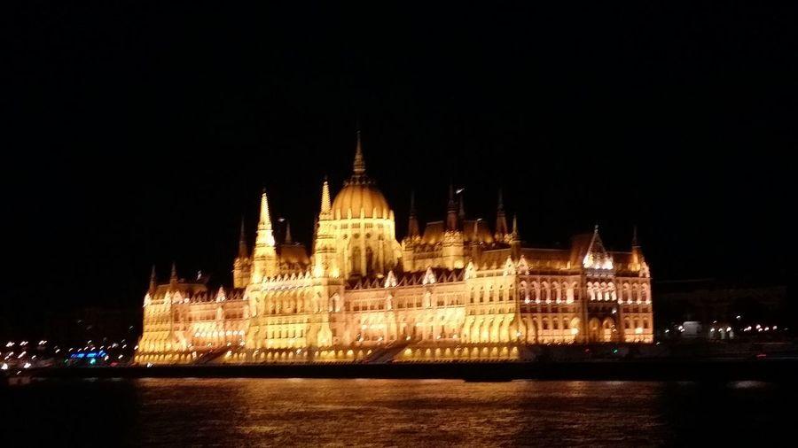 Budapest, Hungary Parliament Eurotrip2015 Viewfromtheriver Aboardtheeuropadinnercruise Amazing View Amazing Architecture Justamazing Makingmemories Memoriesofaliftime