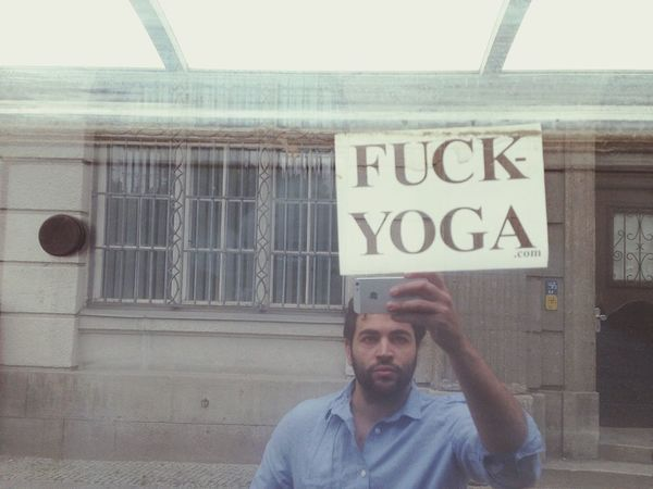 Slogan Yoga Selfie The New Self-Portrait