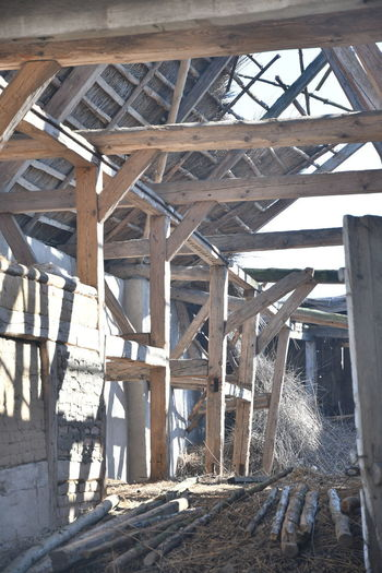 Alte Scheune Architecture Wood - Material Built Structure No People Day Sunlight Nature Bridge Connection Outdoors Shadow Bridge - Man Made Structure Roof Underneath Metal Winter Architectural Column Low Angle View Pattern Roof Beam Ceiling Ruins Scheune Verfallen