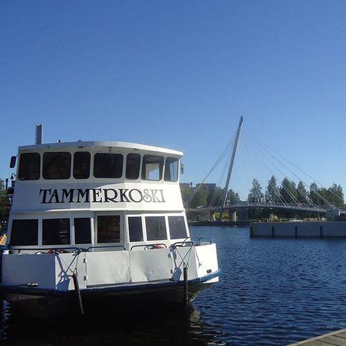 Tampere Tammerkoski Laiva Boat Barco Bateau Laukontori Viikinsaari Visittampere Tamperelove Tampereallbright Loves_finland Summer Kesä Bridge Silta Sininentaivas Sininen Bluesky Blue