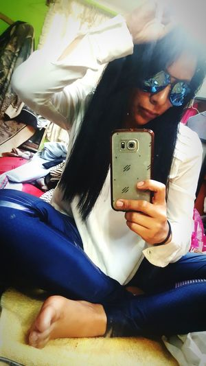 Blue and me Selfie Young Adult People Day SelfieInMirror SelfieQueen💋 Morena ❤ One Woman Only Selfie😎 Morenita C: Women Beautiful People Pretty Me  Morena Morenita Selfiegirls Beauty Cutecute