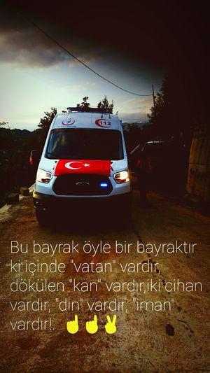 Vatanaşkı VatanıniçinYaşaAşkıniçinÖl! Bayraklı Ambulans 112 Acil ☝☝✌ Lady Driver Kırmızı şeritli Turkey