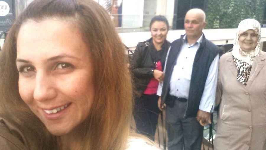 Ailece Gezmelerden😌😏💕💋👍 özçekim Point Pointbornova Shopping Mall Travel Family❤ Happiness MyFamily💗 Selfietime Smile (: AlwaysSmile 😊