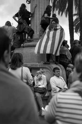 Real People Togetherness Women Large Group Of People Outdoors Politics And Government Streetphoto_bw Black Fuji Street Fujifilm_xseries Street Photography Xpro1 Fujifilm Independent  Catalonia Catalunya Barcelona Flag SPAIN España Fujinon Independent  White Street Art