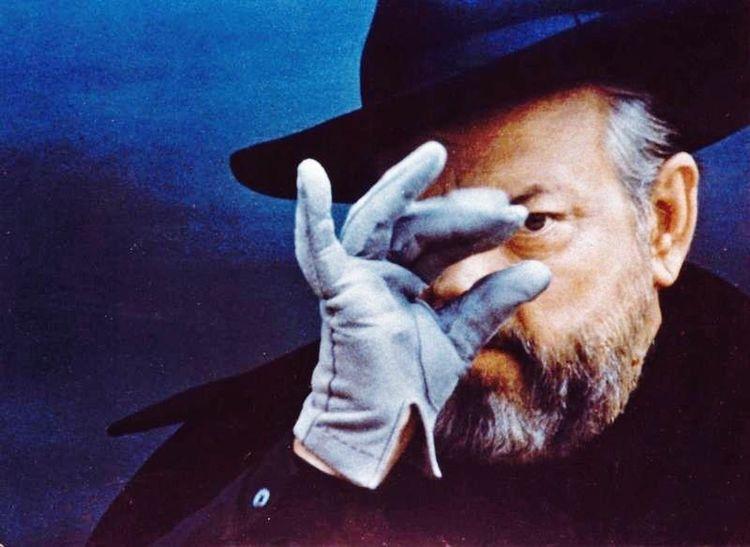 New on tumblr: Retrospettiva su Orson Welles http://silviamaiuri-criticismi.tumblr.com/post/118277048211/orson-welles-retrospettiva-sul-genio-iconoclasta Cinema CritiCismi Journalism Art Anniversary Save The Date War Of The Worlds OpenEdit