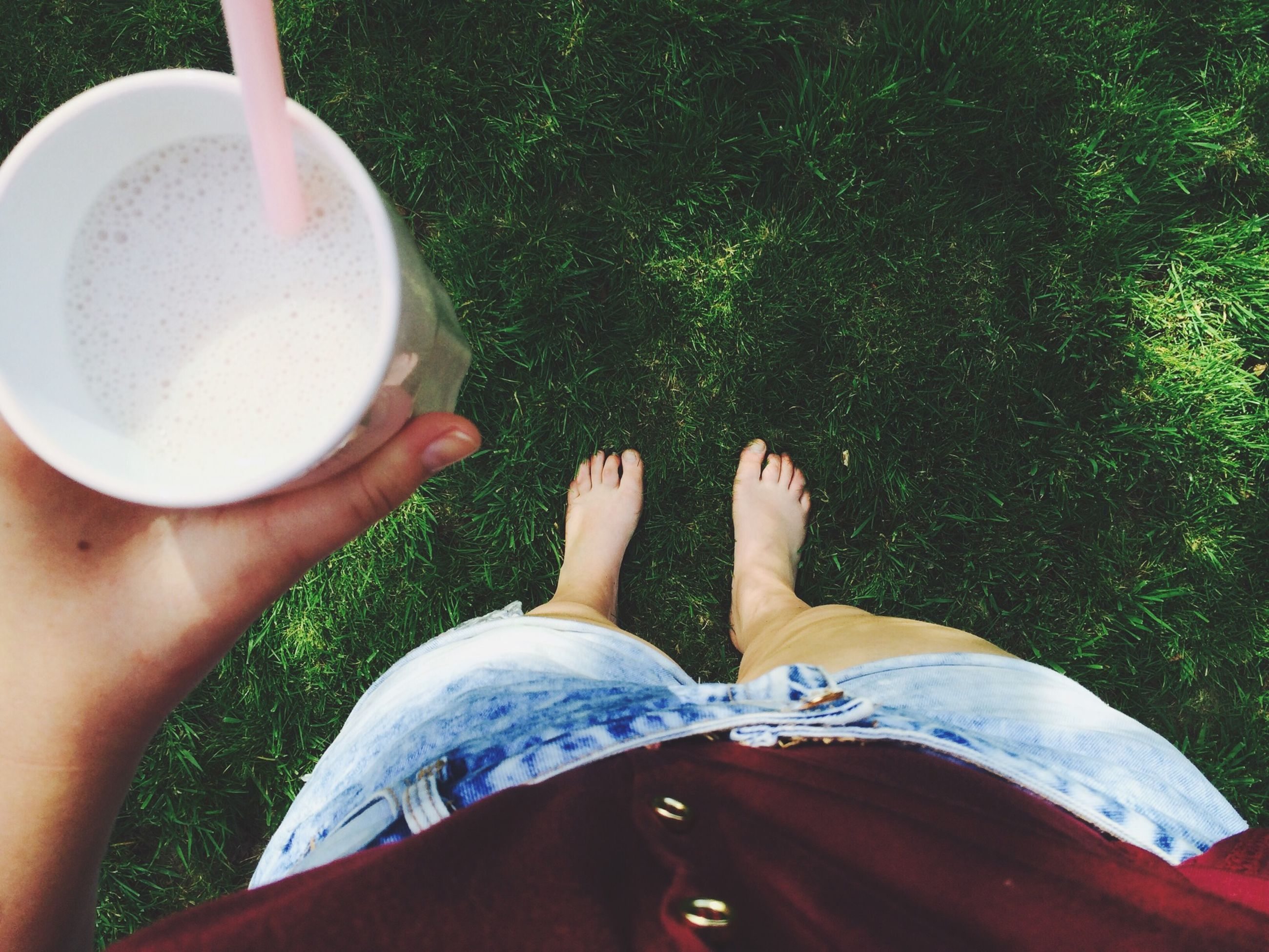 personal perspective, low section, lifestyles, person, part of, leisure activity, holding, food and drink, cropped, high angle view, men, unrecognizable person, drink, refreshment, human foot