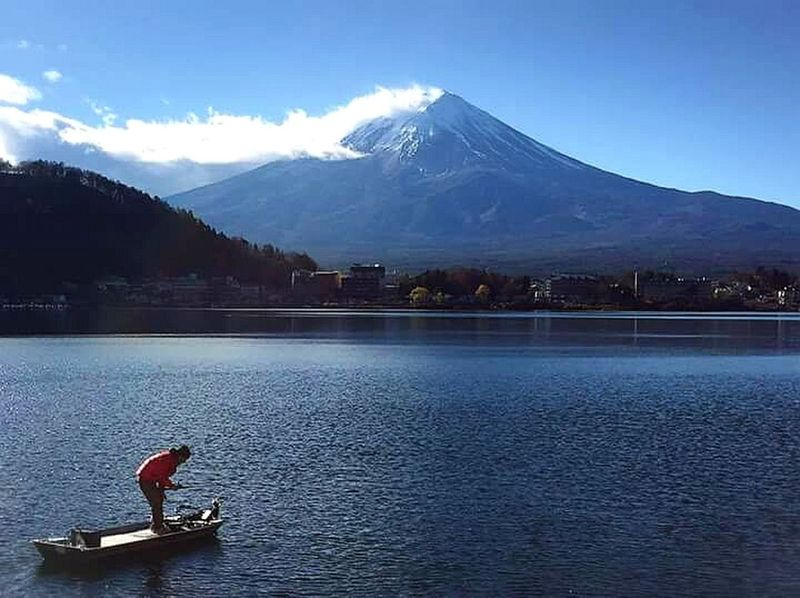 Fuji Fuji Mountain Fuji Mountain Area Kawagushiko Lake Kawaguchiko Lake Mountain Outdoors Cold Temperature Water Lakeview Sky Snow Lake Tourism Nature Fisherman Fishermen's Life Fisherman Boat