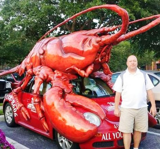 Lobstah Lobster Tree Red Car Standing Front View