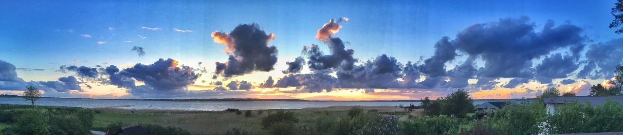 The Great Outdoors - 2015 EyeEm Awards Coastline Clouds And Sky Sunset Shityiphonepanorama Panorama Bad Mobile Cam