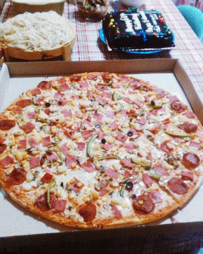 Affordable pizza with a best taste! 🍴👌 Fracassospecial Pizzaday