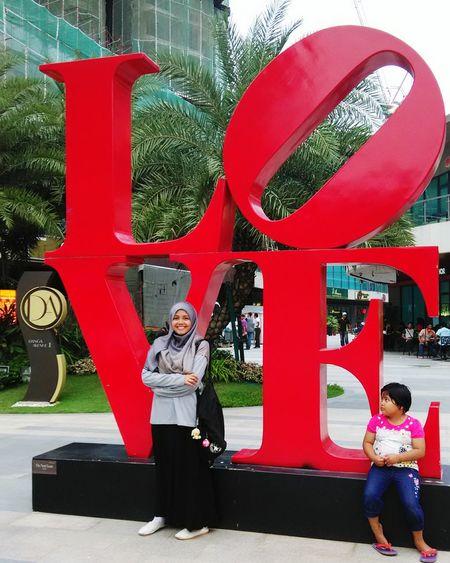 Nurin tengok akak asik aje begaye 😁 Familytrip Traveling Holiday Love