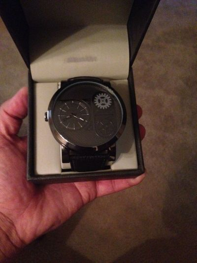 Early birthday present from my lady Spoiled Iamverze Watch Folio